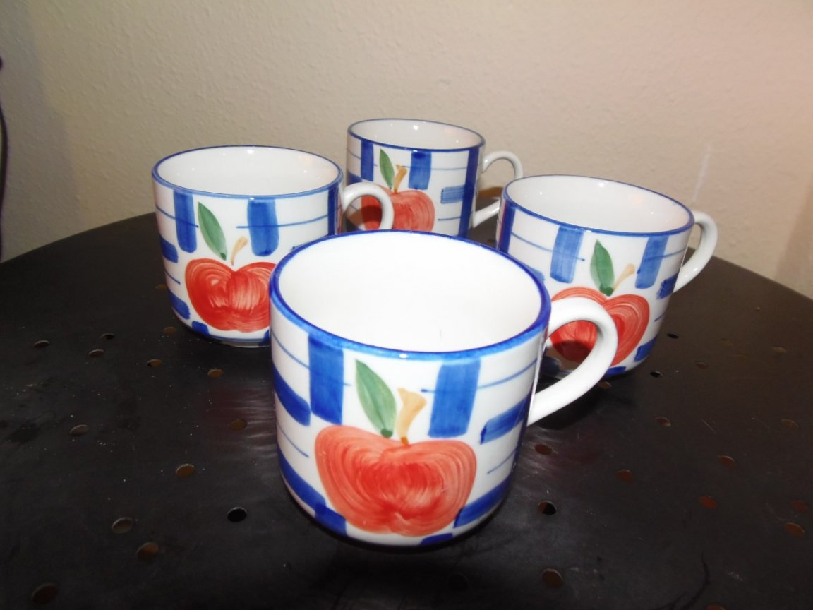 Cups and Saucers (Patterned)